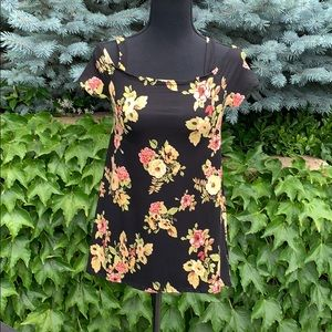 DISCREET BLACK AND FLORAL OPEN SHOULDER TOP